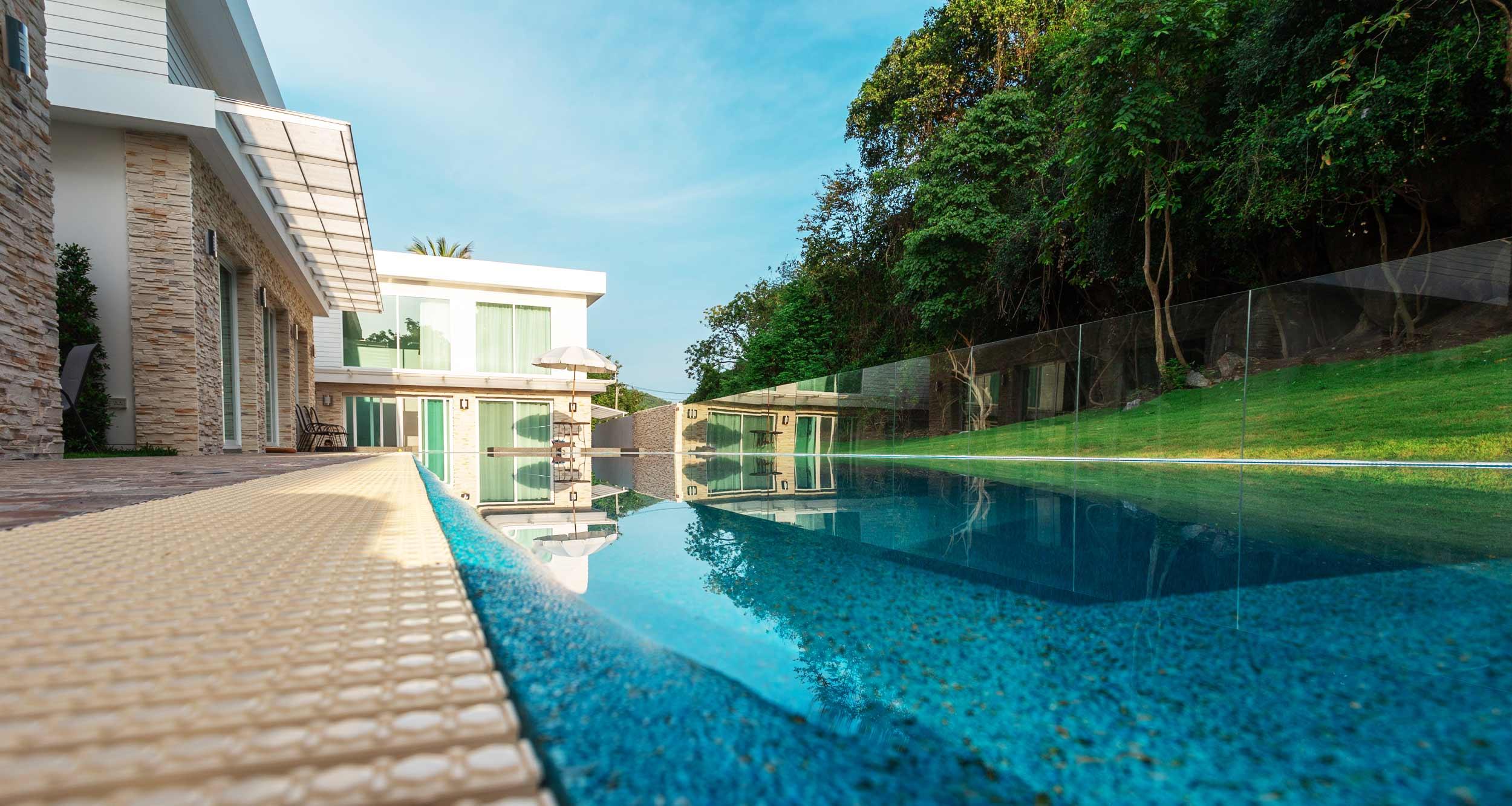 Shagufta resort Sai Noi Beach